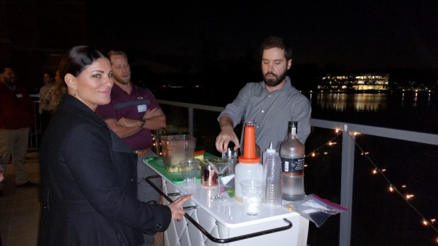 Del Frisco's Serving Cocktails (1280x720)
